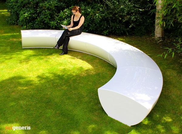 serpentine modular seating