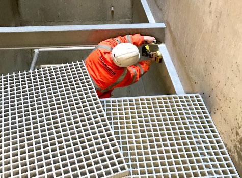 1. Installation of grating support beams.