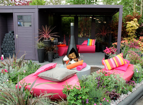 Case study sui generis helps win gold at chelsea flower for Funky garden furniture designs