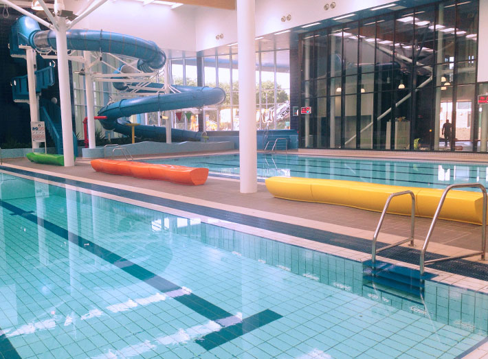 Modular Serpentine seats were fitted together to create three wave-like effects for this Leisure Centre poolside.