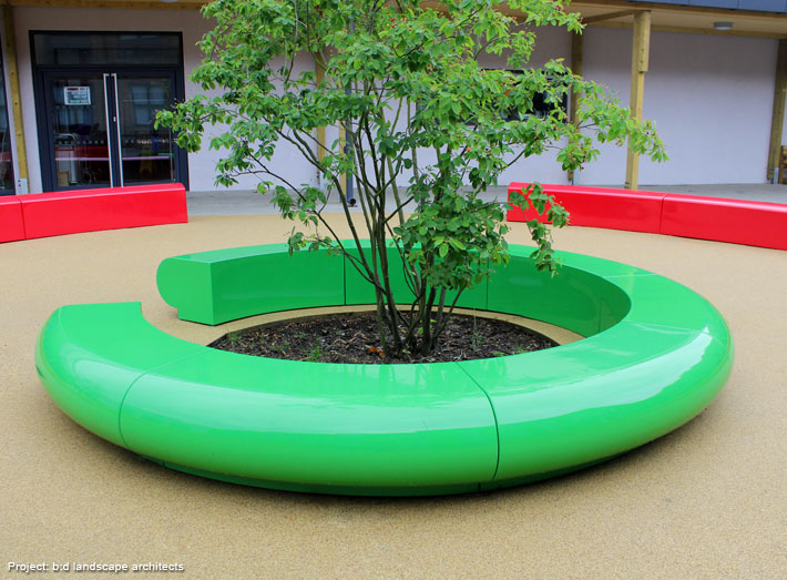 Corona creates an eye-catching C-shaped seating design for large contemporary gardens or urban environments.