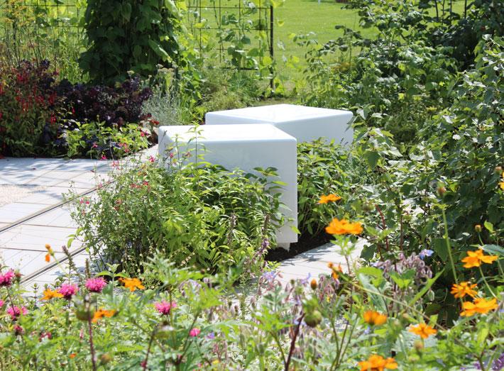Cube seating, square modular furniture