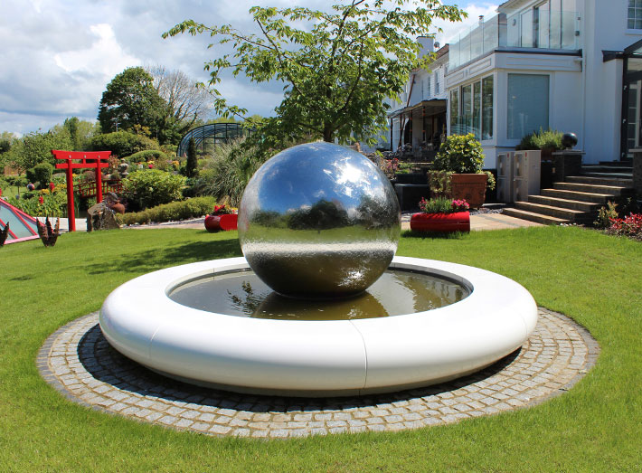 Our striking Aqua Corona modern water feature has been installed into the home of Uri Geller.
