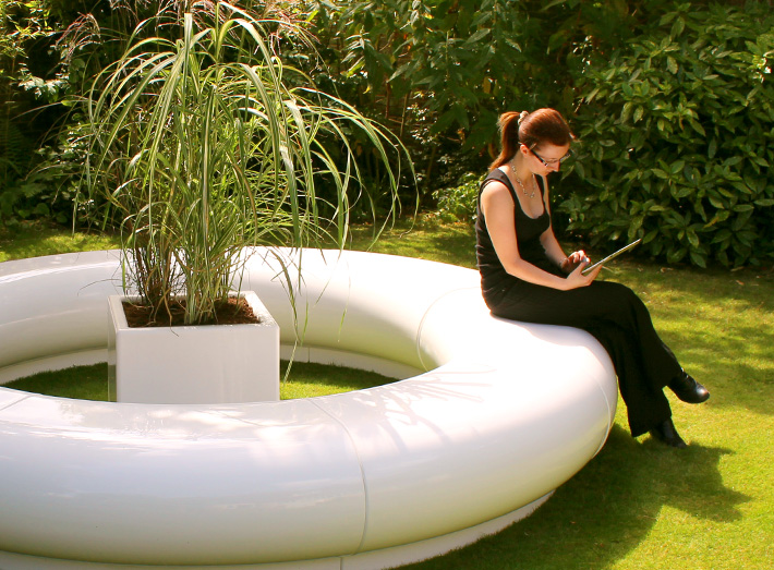 Cube planter with Halo seating.