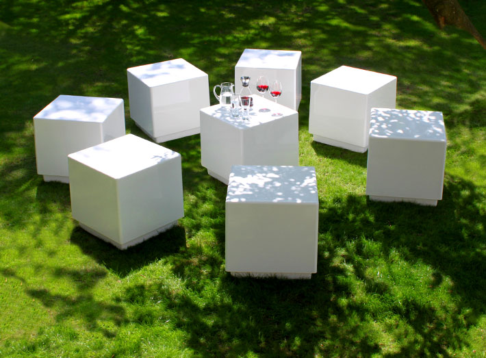 Create a striking Cube seating centrepiece in gardens, patios and parks, large or small.