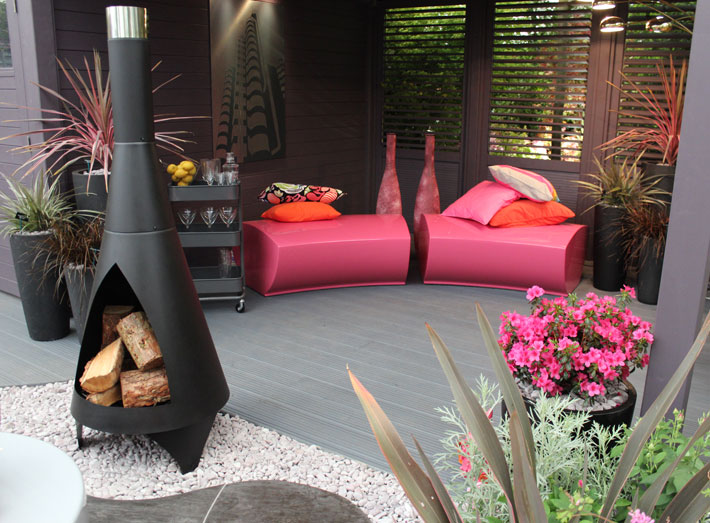 Serpentine seating creates ultimate impact with the minimum of maintenance. RHS Flower Show, Chelsea.