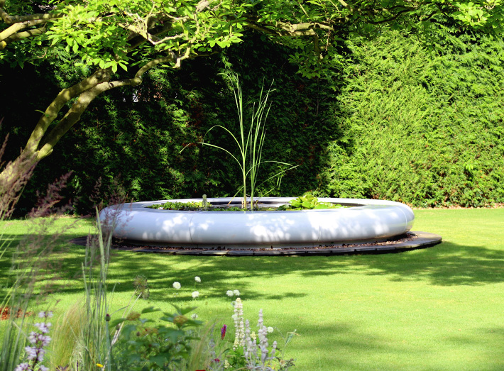 5. The Aqua Corona water feature has also been specified as statement pieces for the luxurious home market.