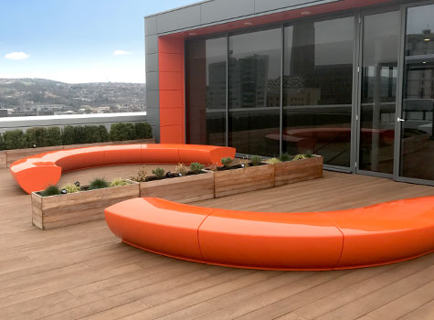 5. Serpentine seating, curved and straight modules for striking arrangements.