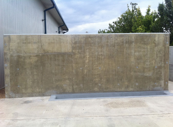 An additional smaller acid silo bund and chemical loading pit area were also fibreglass lined.
