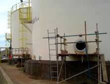 Cylindrical chemical fertilizer tanks