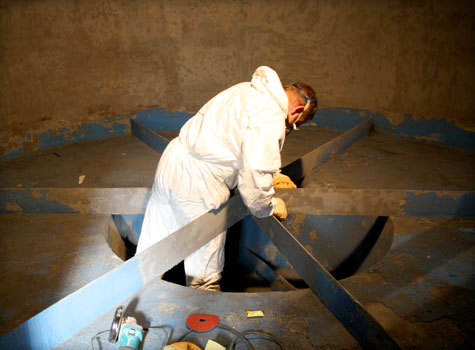 3. Surface preparation for cooling tower fibreglass lining