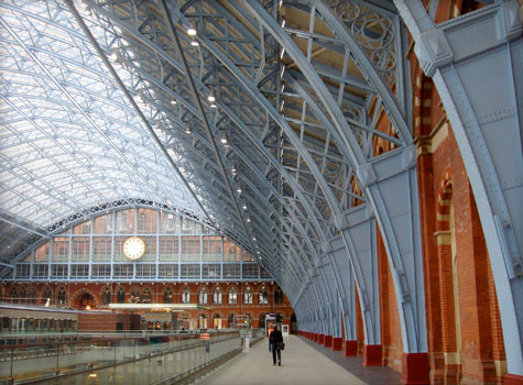 13. Surface cleaning of St.Pancras Station